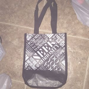 FREE!! Lululemon shopping bag